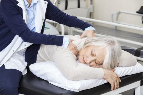 Det finns metoder och behandlingar vi kan ta hjälp av vid sömnproblem.