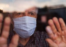 Allvarliga brister i äldrevården under pandemin